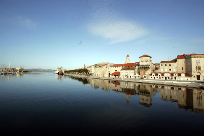 trogir singles Trogir (latin: tragurium italian: traù ancient greek: τραγύριον, tragyrion or τραγούριον, tragourion trogkir) is a historic town and harbour on the adriatic coast in split-dalmatia county.